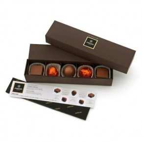 Box with 5 assorted pralines