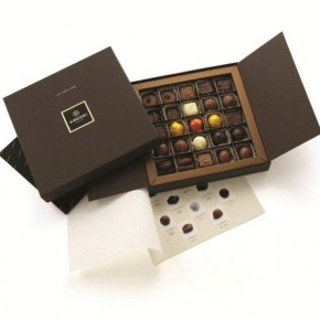Box with 25 assorted pralines - Alcohol